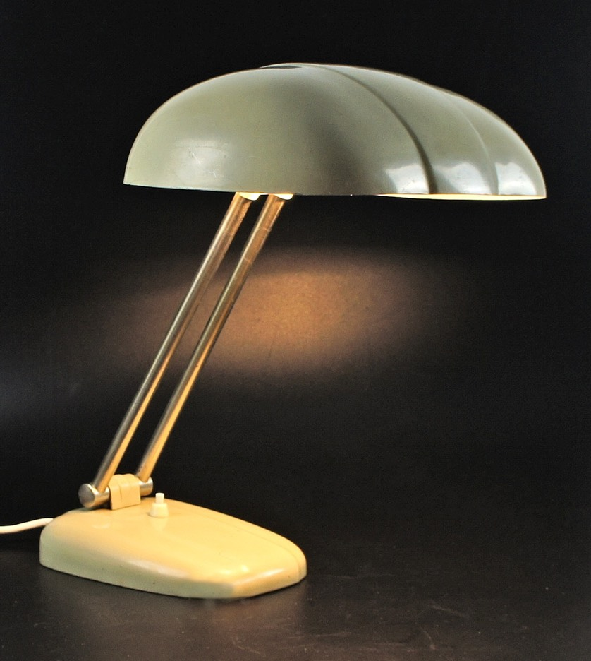 Bauhaus-Sigfried-Giedion-table-lamp-C