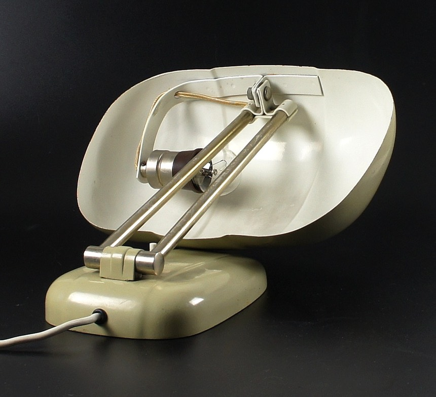 Bauhaus-Sigfried-Giedion-table-lamp-F